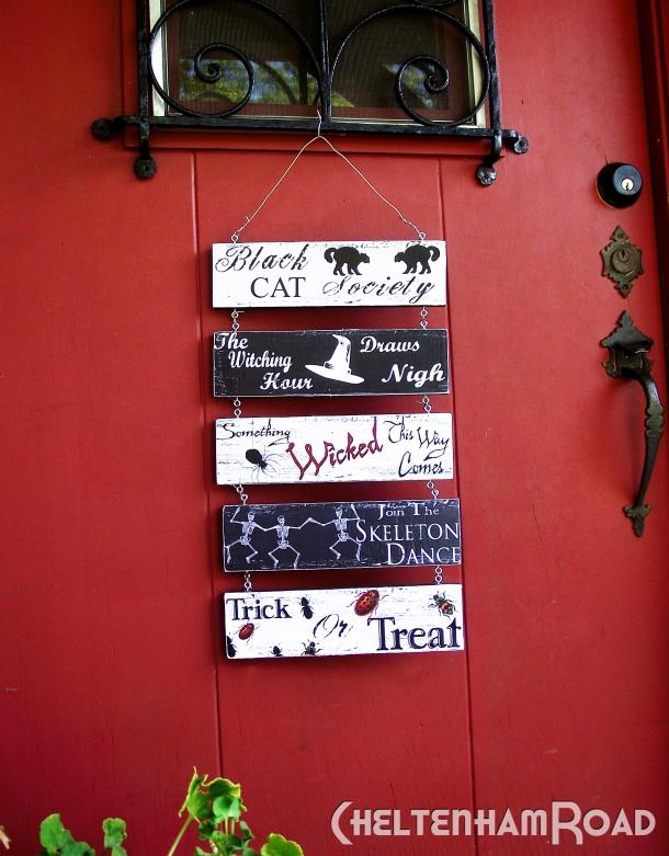 Decorating Ideas > Last Minute Halloween Decor – Free Printable Door Hanger  ~ 114701_Halloween Door Hangers Printable