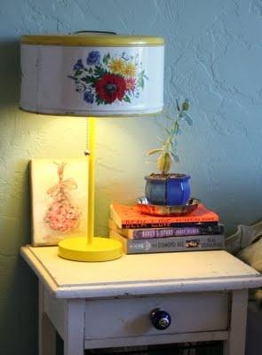 Cake Carrier Lamp
