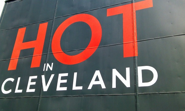 Hot In Cleveland soundstage