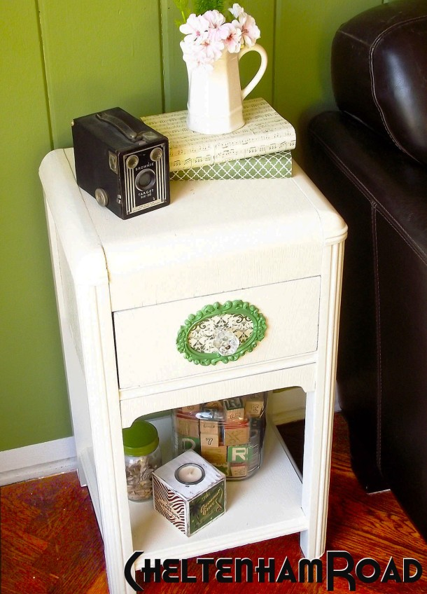 Cheltenham Road and Mod Podge Rocks End Table Makeover