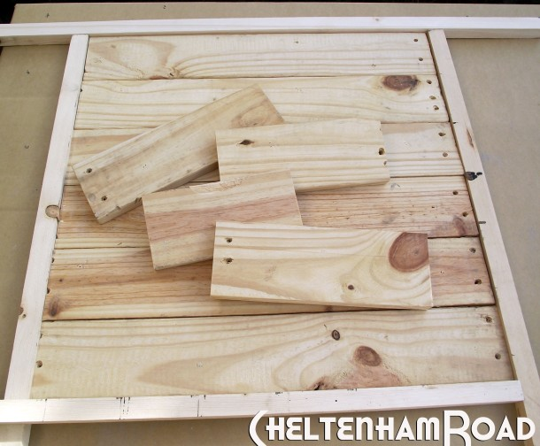 Tutorial Display Shelf made from an old pallet